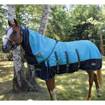 Couvertures, chemises, tapis, bonnets et fly mask